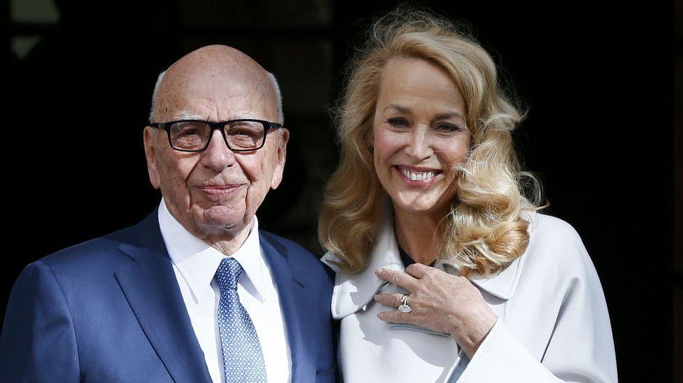 La boda de Murdoch y Hall en Londres.Joe Biden volvió este martes a Florida para dirigirse esta vez a los jubilados