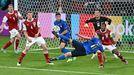 Berardi remata durante el partido de octavos entre Italia y Austria