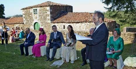 Muere el aventurero Álvaro Bultó.Moncho Gándara casó en Vilar de Francos a una pareja de la zona que reside en Dubai.