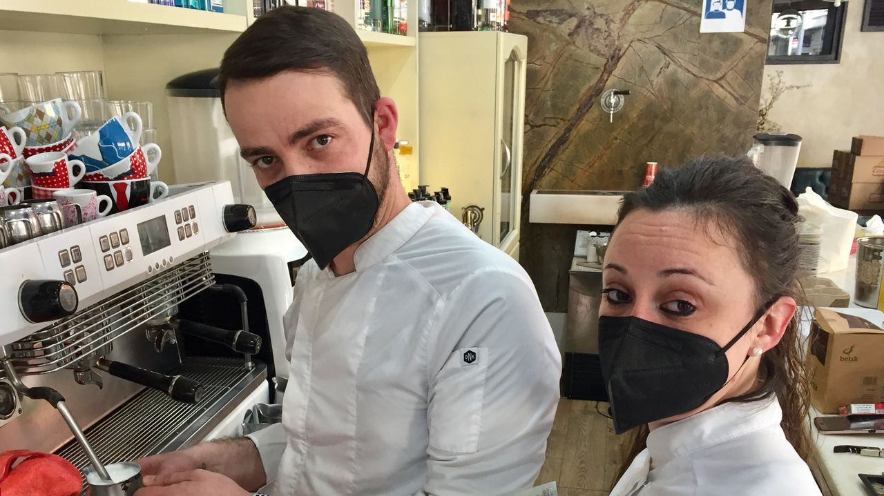 Lorena y Juan socios del bar Puro Gusto de Ultramar
