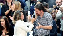 Yolanda Díaz, con Pablo Iglesias en un mitin en Vigo el pasado abril
