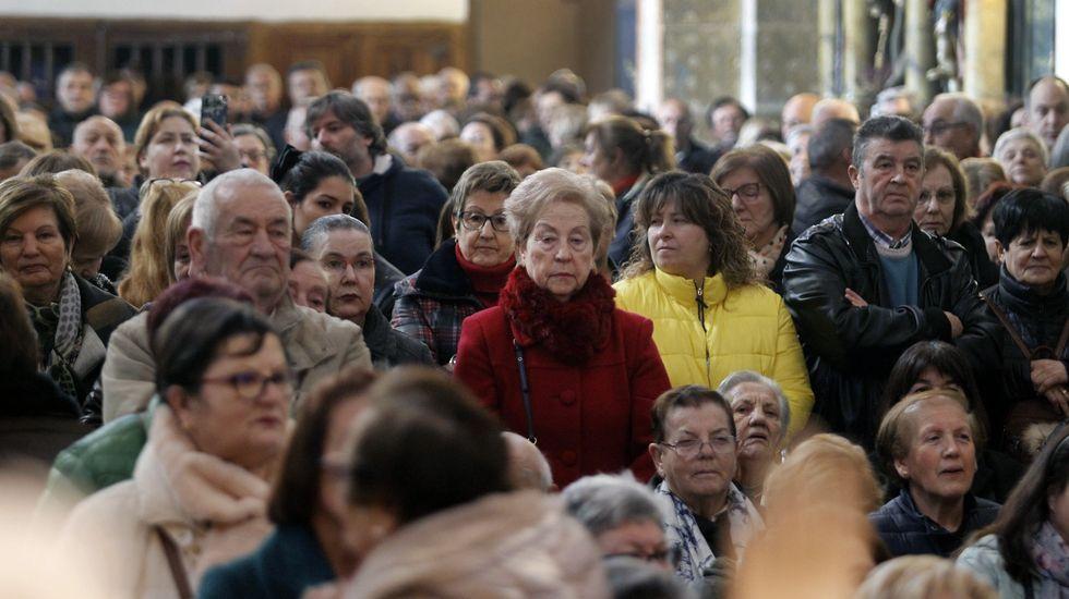 El primer San Blas en la iglesia de A Régoa fue multitudinario