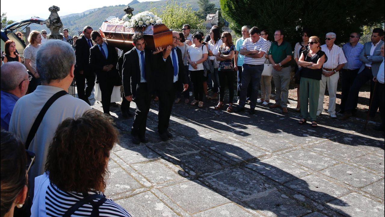 El último adiós en la tierra donde vive su familia, en Ponte Caldelas