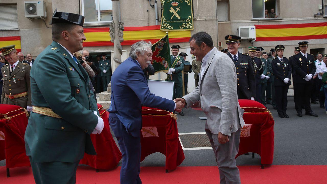 ACTO INSTITUCIONAL CASTRENSE DEL DÍA DEL PILAR.La Guardia Civil homenajeó a Roberto Lorenzo, ex responsable de prensa en la Subdelegación del Gobierno