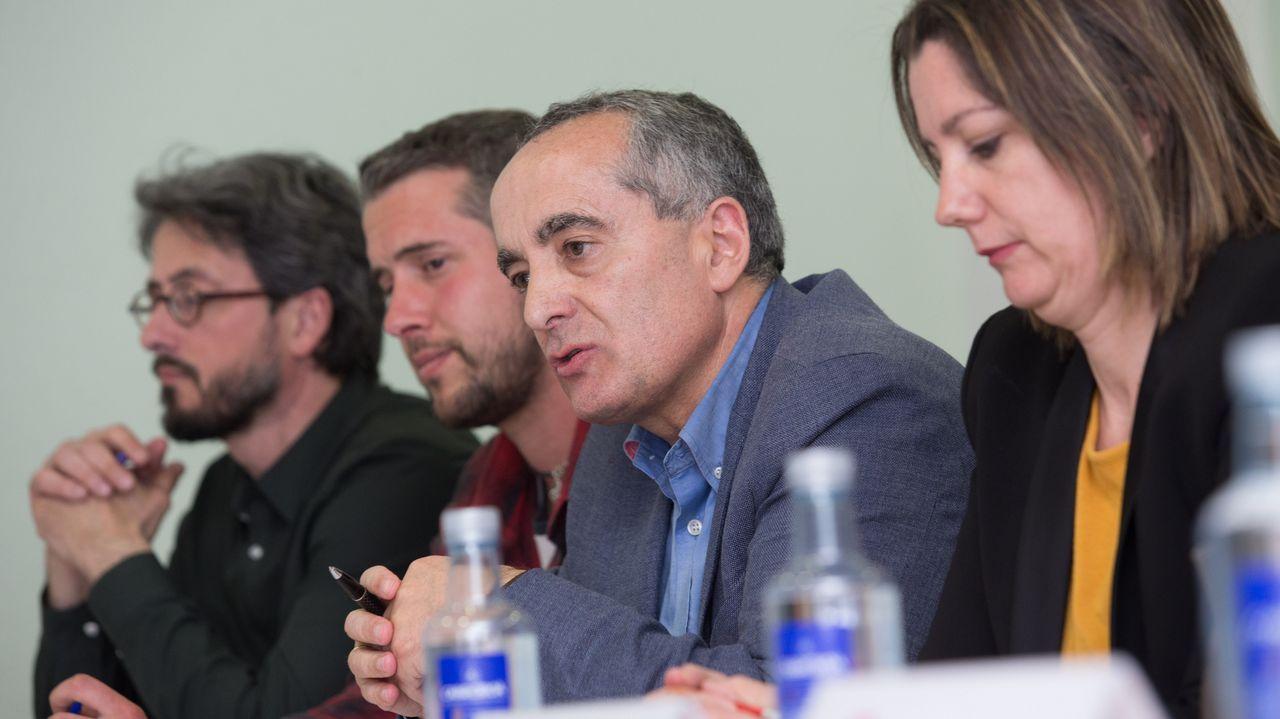 La alcaldesa de Avilés, Mariví Monteserín, y el consejero de Educación y Cultura, Genaro Alonso, durante la visita a las aulas, talleres y laboratorios de la especialidad de Conservación y Restauración de Bienes Culturales en la Escuela Superior de Arte del Principado de Asturias