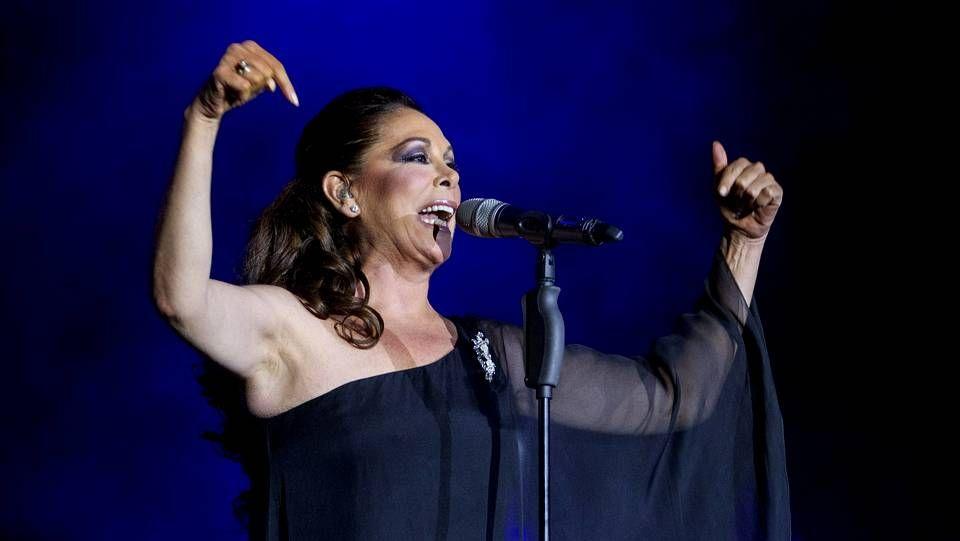 Isabel Pantoja, en el último concierto que ofreció en Zaragoza.