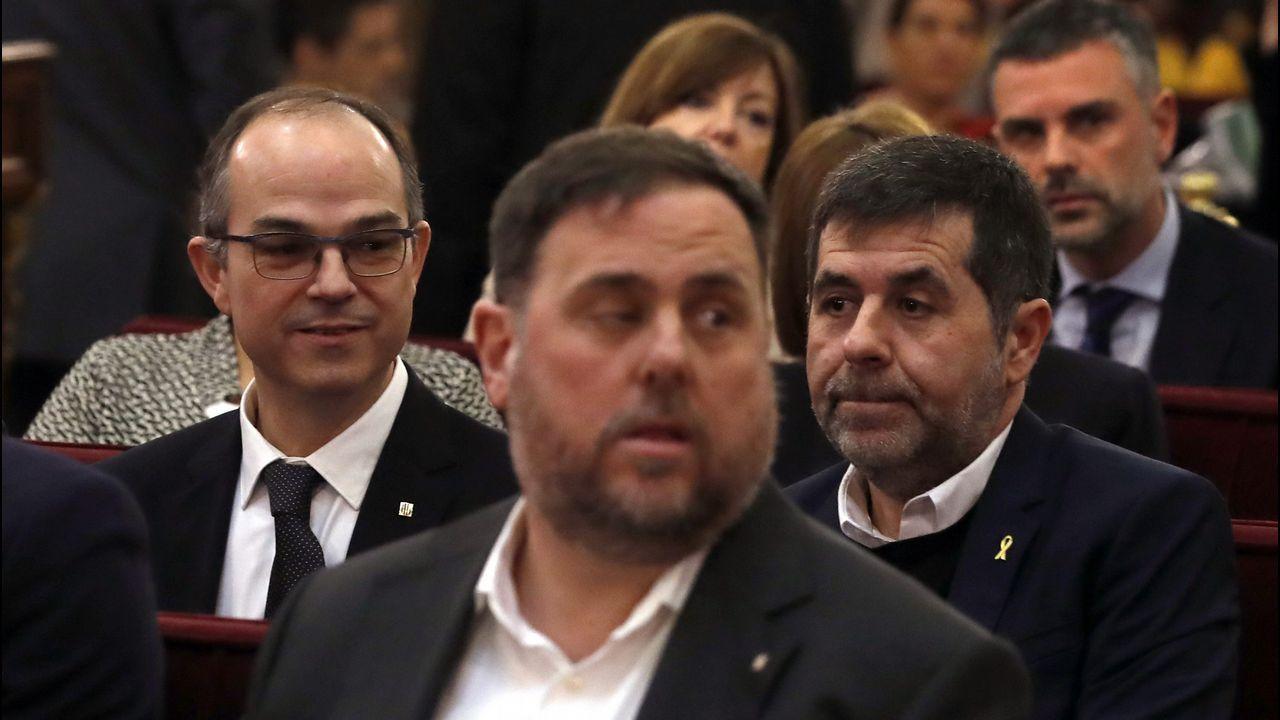 El himno de España se cuela en la ofrenda floral del Govern por la Diada.Rufián con Tardá, durante una sesión de la anterior legislatura