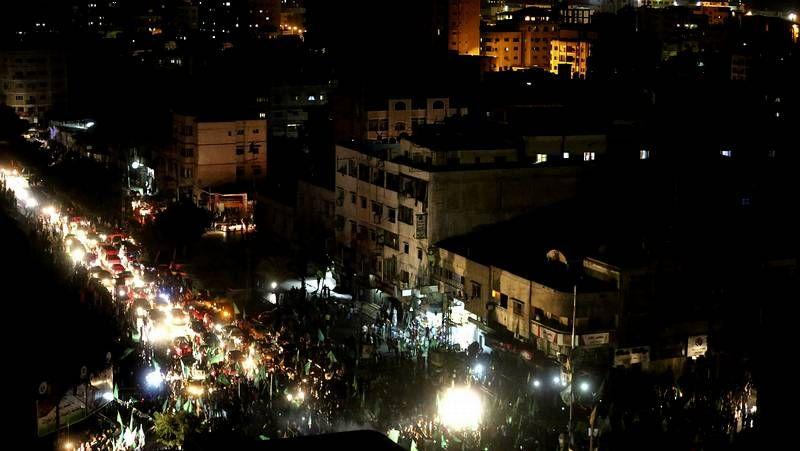 Los habitantes de Gaza celebran la vuelta a casa .Paisaje de la destrución en Gaza