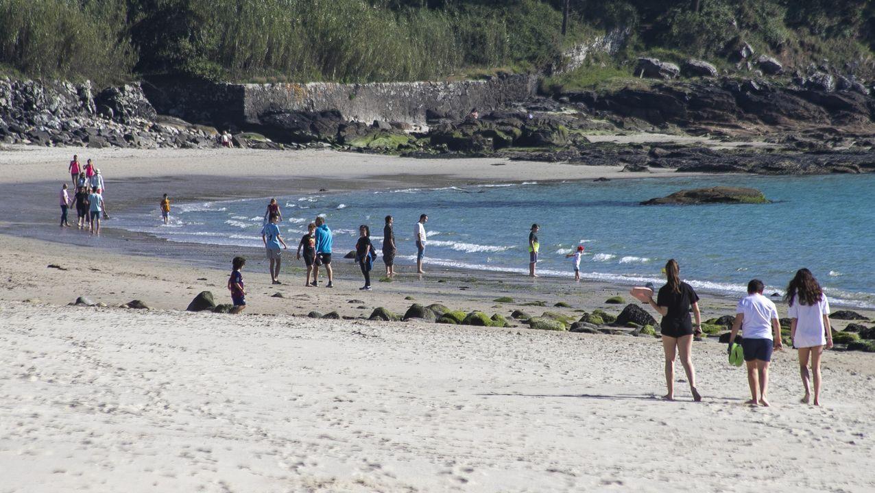 Las playas de Barbanza, ante la desescalada.La Policía de Rianxo está a la espera de reforzarse con otros cuatro auxiliares