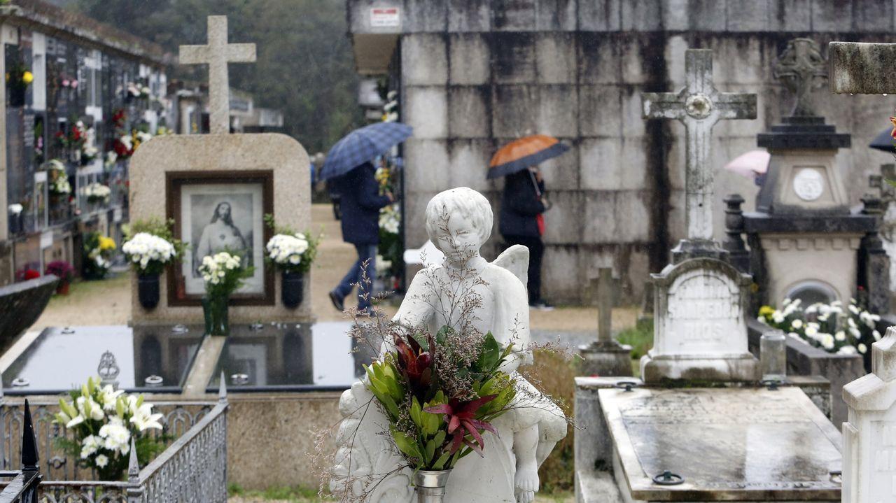 Celebración do 1º de Maio en Arousa.Los cementerios contarán con numeración de sus unidades e información sobre su localización