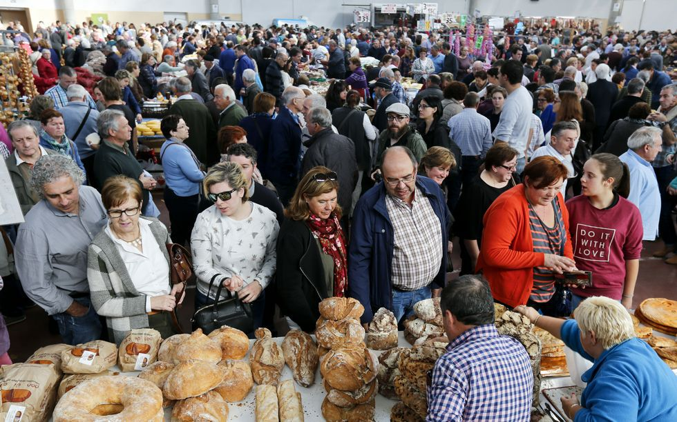 Feria de santos en Monterroso .Malasombra ofrece un concierto en el Club Clavicembalo