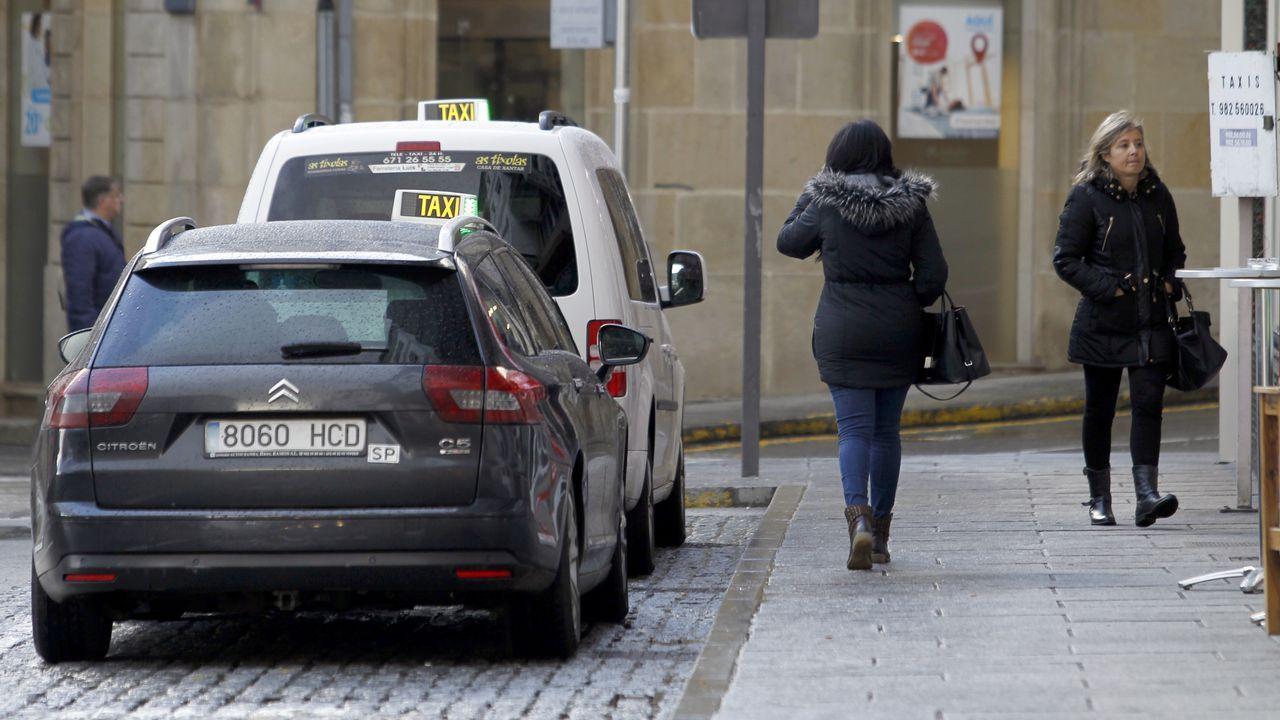 Normalidad en una parada de taxis de Viveiro
