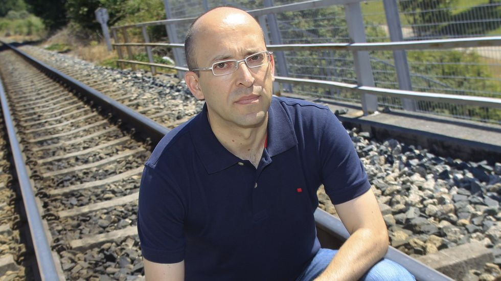 Celso García, de Adrovi, volverá a estar hoy en Caldas con su mesa informativa sobre donación.