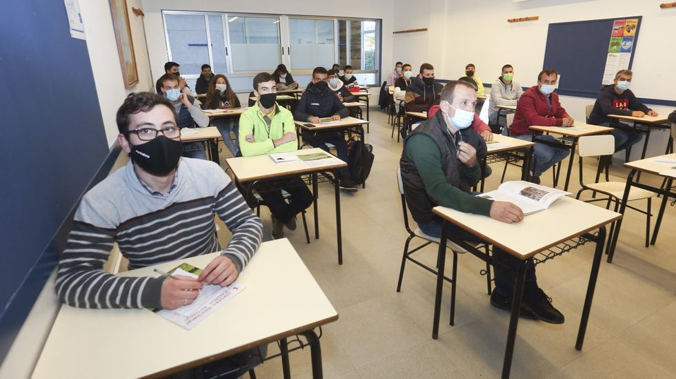 Fonteboa clausuró el curso 2021-2022. ¡Mira las imágenes!.Vacunaciones en el Hospital Virxe da Xunqueira de Cee