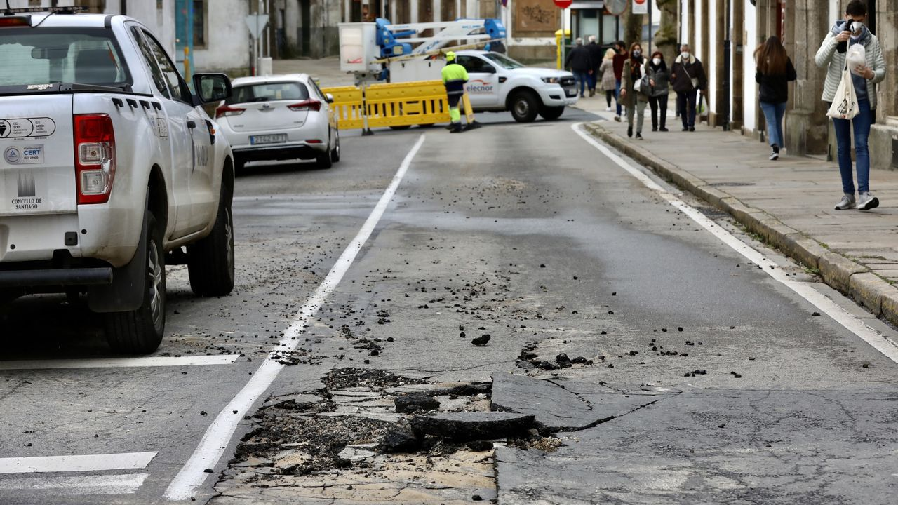 Destrozos en una vivienda turística de Santiago en la que organizaron una fiesta ilegal.Fachada del edificio principal de los juzgados de Santiago, en el que tiene su sede la sección sexta de la Audiencia Provincial