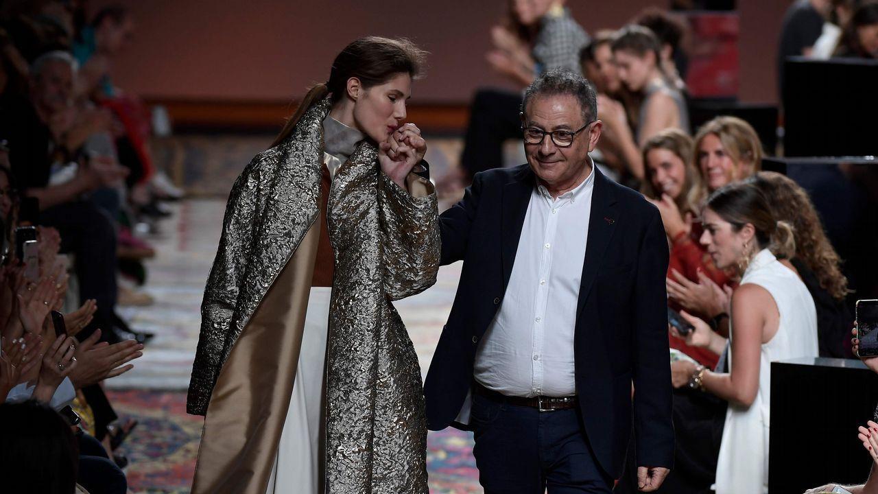 Marcos Luengo, a la pasarela.Marta Ortega y Carlos Torretta, en el desfile de Roberto Torretta