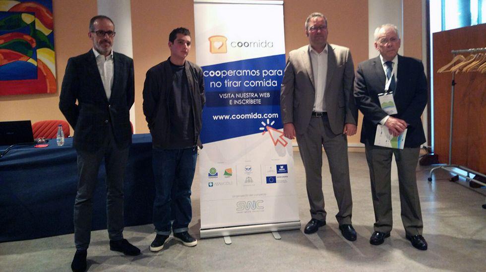 Cogersa premia a los ganadores de su concurso de relatos.Presentación de la aplicación contra el despilfarro de alimentos