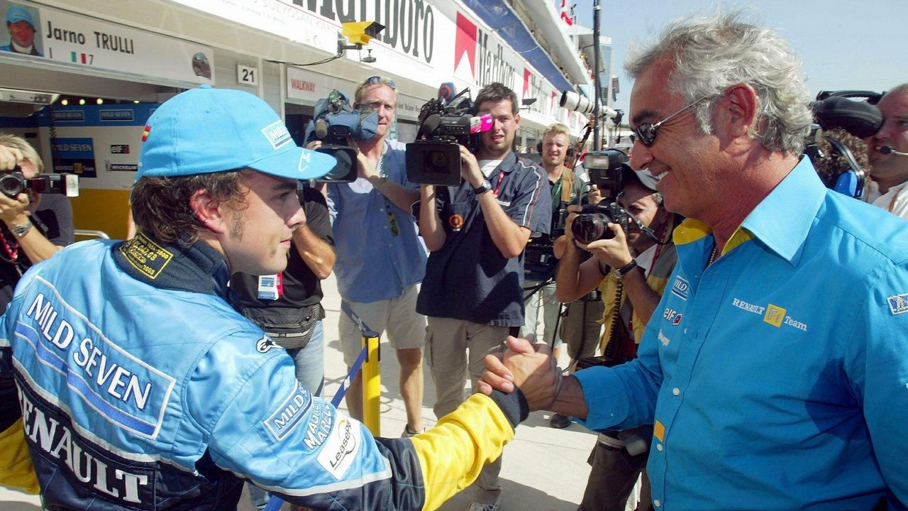 Alonso tras lograr la ole en Hungría en 2003