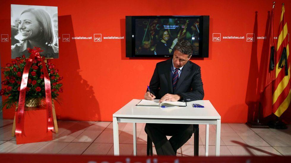 El presidente del PP catalán, Xavier García Albiol, en la sede del PSC.