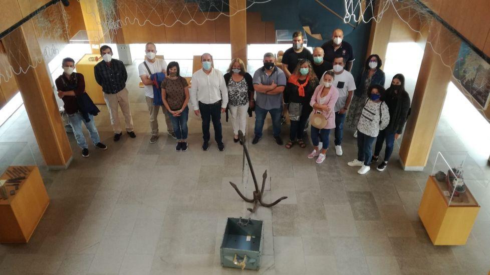 Cincuenta años de la consagración de la nueva iglesia de Castromil: ¡las imágenes!.El exdeportivista Bicho milita en el Compostela