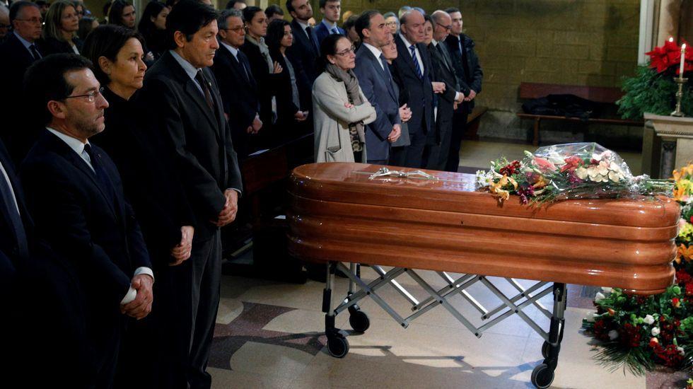 La Iglesia de la Asunción de Gijón acogió el funeral por exministro de Educación y abogado asturiano Aurelio Menéndez