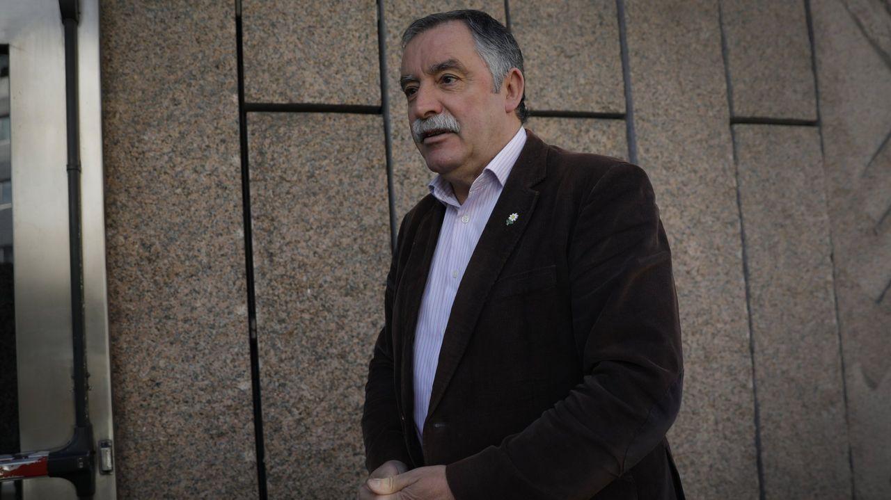 chales.El alcalde de Oleiros, Ángel García Seoane