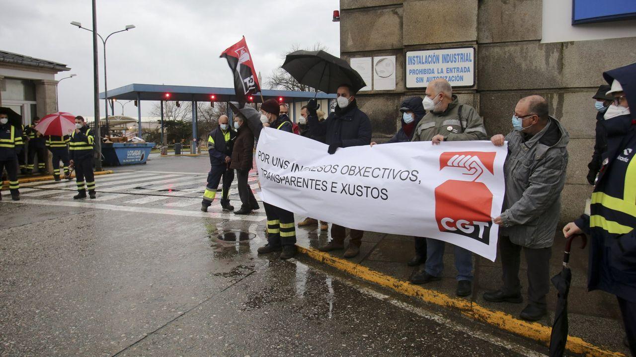 Tensión entre trabajadores del metal y varios cargos sindicales de CC.OO. y UGT.Vista de una de las pruebas para acceder a los puestos ofertados por Navantia