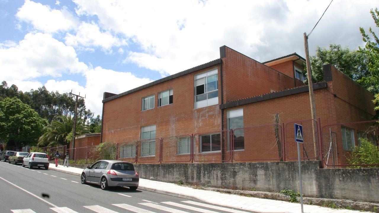 Antigua estación de autobuses de Carballo, en la calle Vázquez de Parga