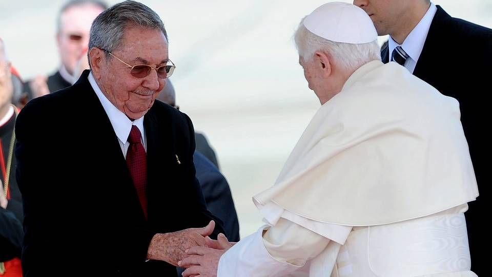 El papa, en Cuba.El presidente de Colombia, Juan Manuel Santos, junto a su homólogo estadounidense, Barack Obama