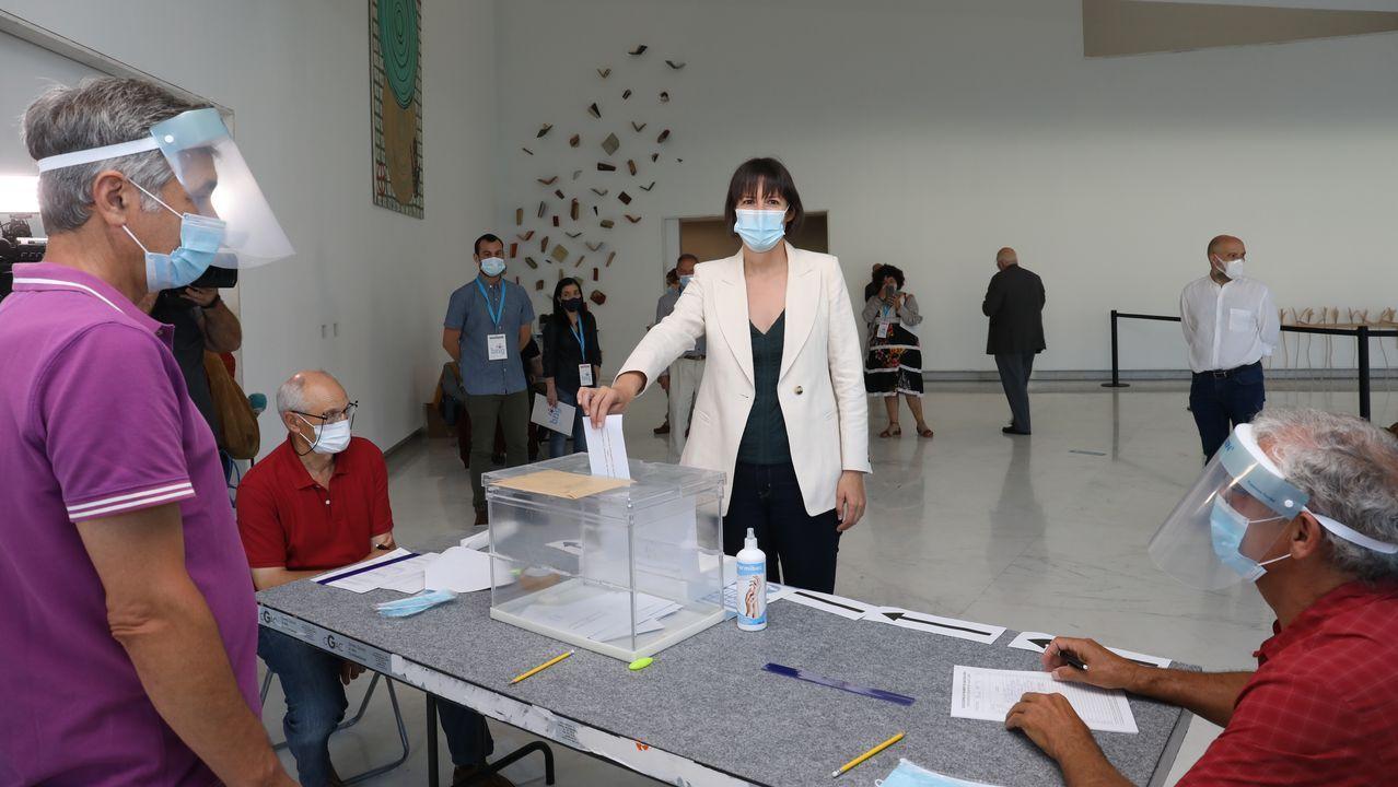 Ana Pontón, votando
