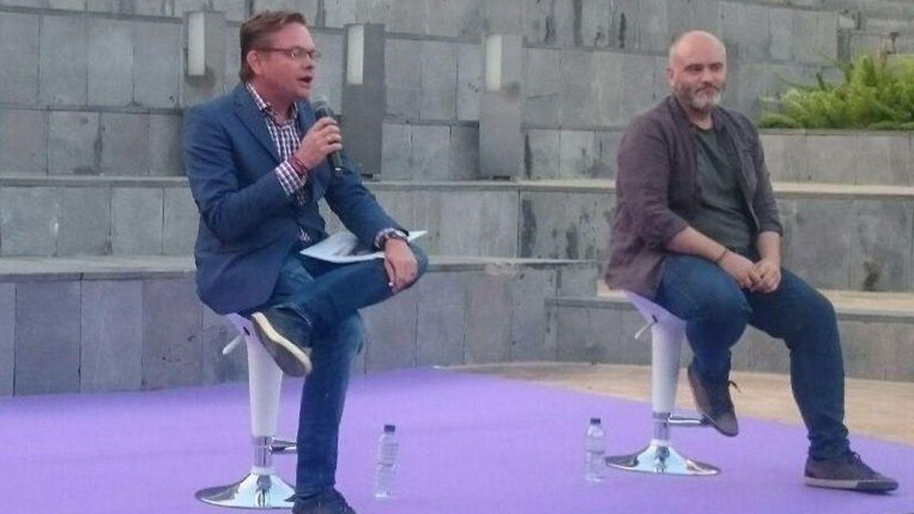 El líder de Podem en Dénia Àlex Rodenkirchen (izquierda)