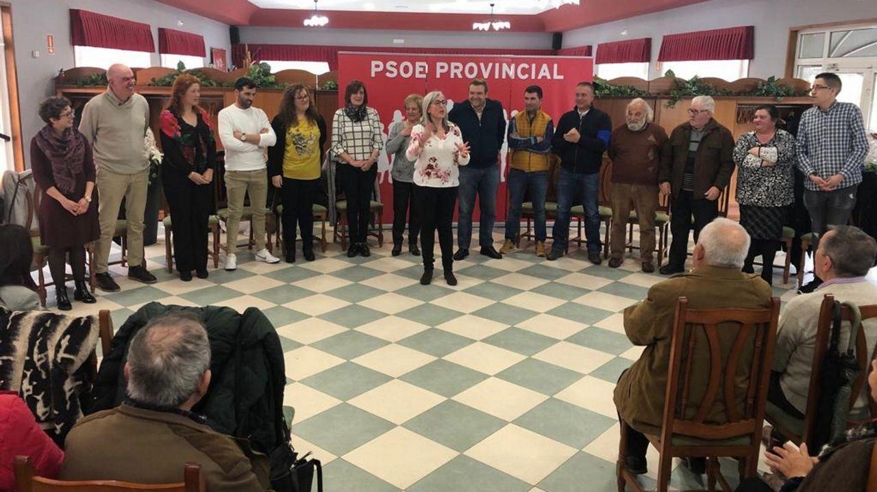 Presentación de la candidatura del PSOE en Guitiriz.Holywater actúa en el Club Clavicémbalo