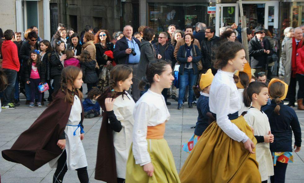 El espectáculo de calle fue seguido por numeroso público