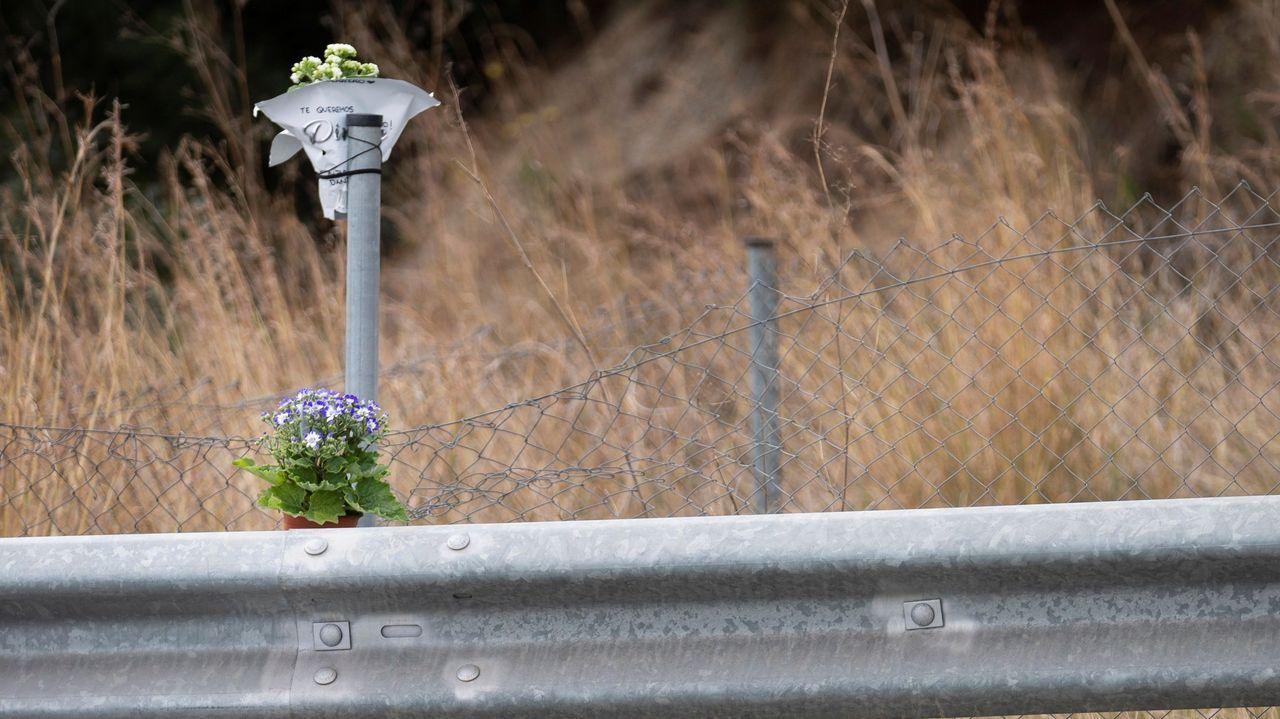 Flores en el lugar del accidente de Álex Casademunt