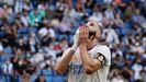 Benzema, que marcó el único gol blanco, se lamenta de una ocasión fallada