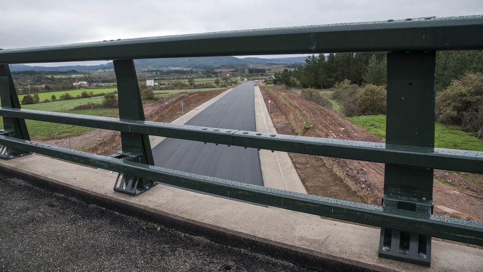 Así están los ríos a su paso por Ourense.Obras del primer tramo del enlace con la N-120, que ya se encuentra operativo