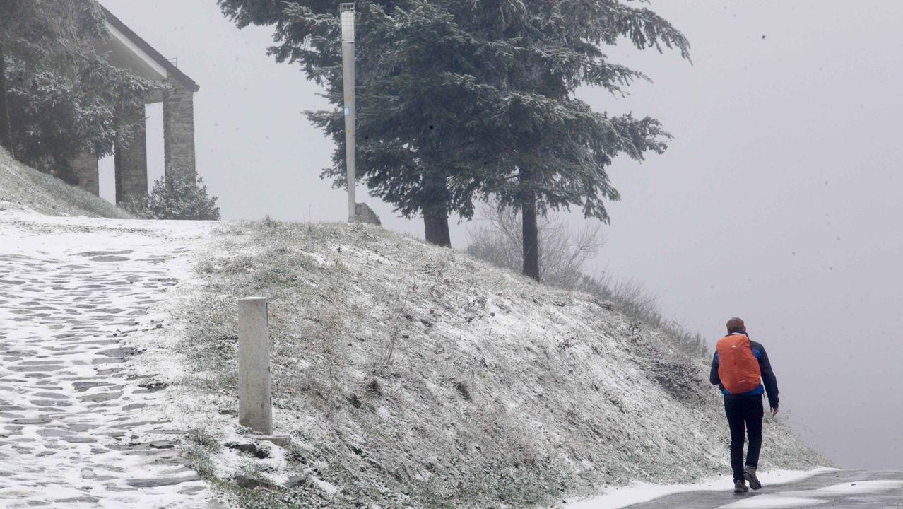 Nieve en Os Ancares.Temporal de lluvia y viento