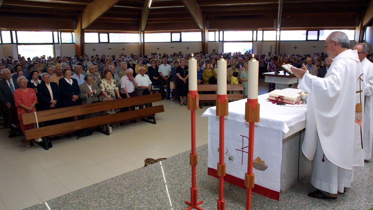 Una misa en la iglesia monfortina de San Antonio en el día grande de las fiestas, en una imagen de archivo