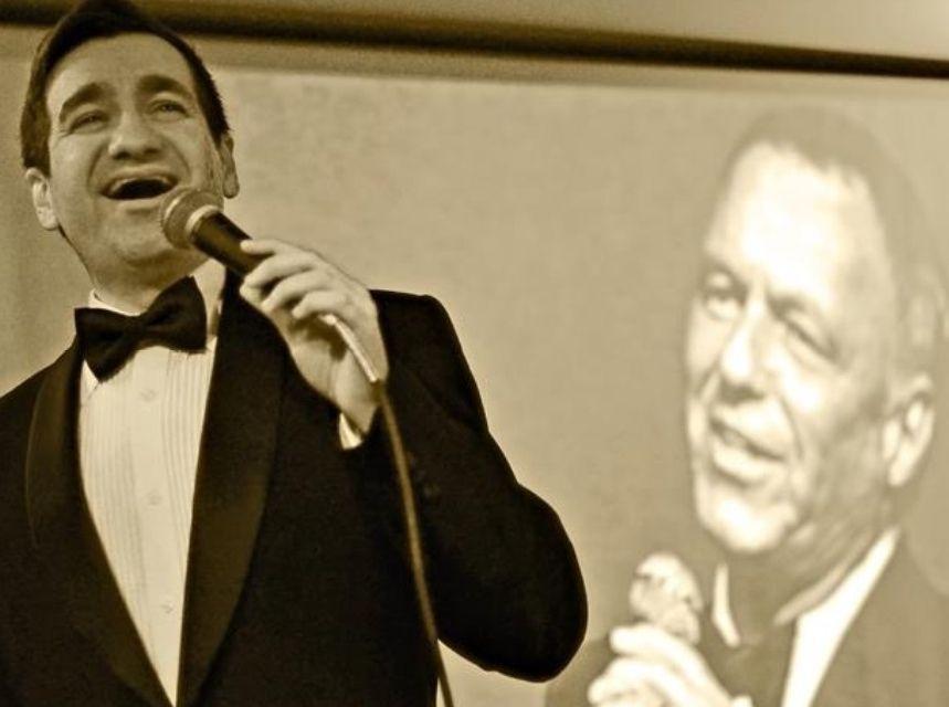 Alberto Cunha es un experto en imitar voces como la de Sinatra