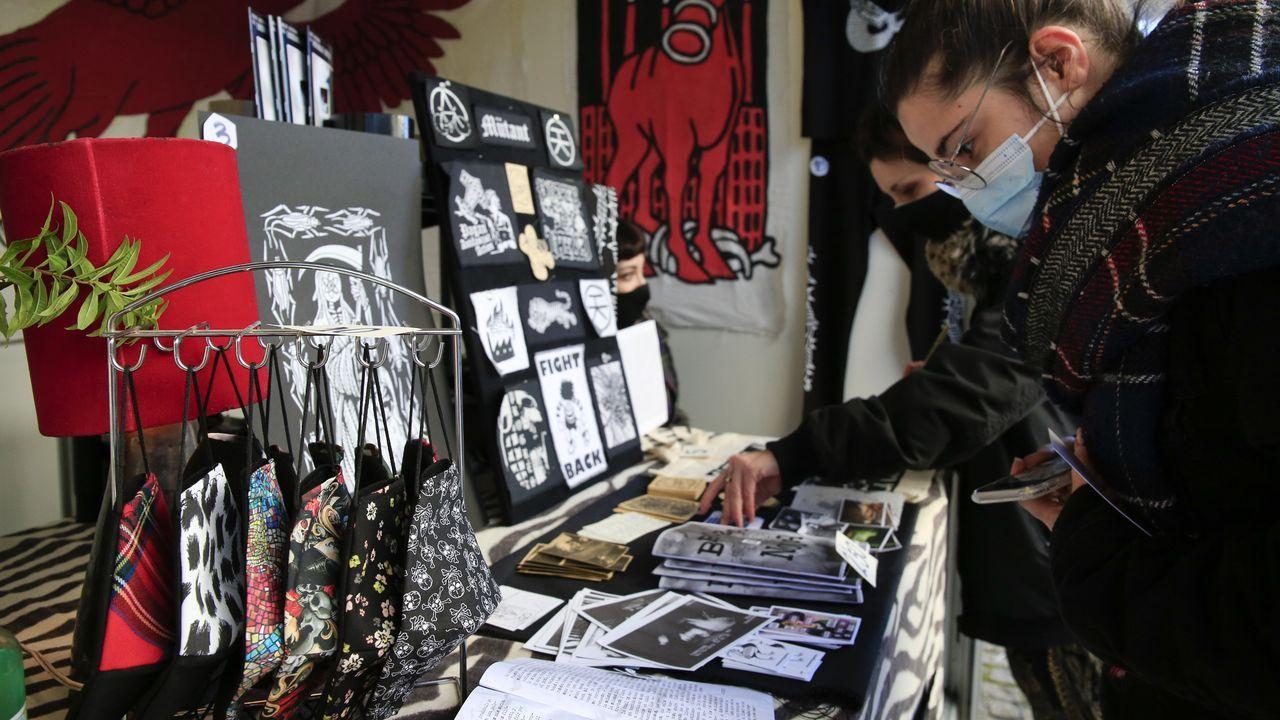 El mercadillo de la Rúa Soto Freire estuvo muy animado y continuará el domingo 22