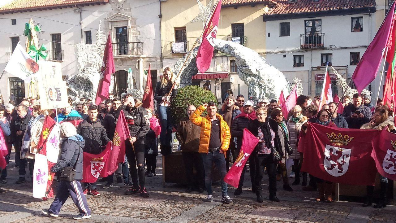 Concentración leonesista para reclamar una autonomía propia para León
