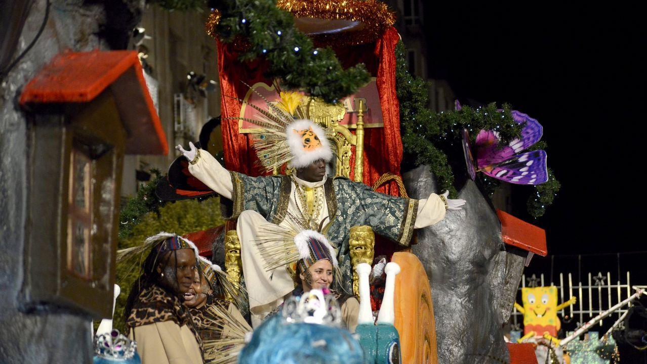 Los Reyes Magos ya reparten felicidad en Santiago.COMPRAS  DE REYES EN MARINEDA CITY