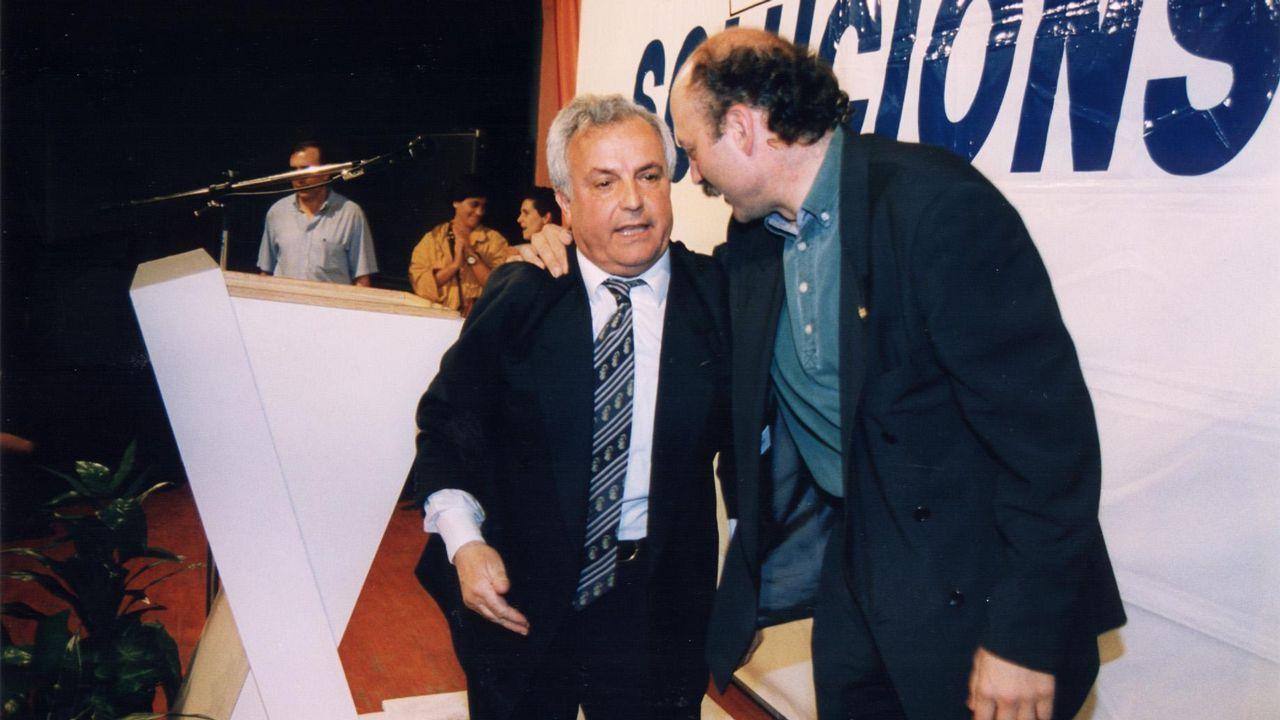 El exlíder de Ciudadanos en Ourense ve la mano de Baltar en el fichaje de Araújo y este lo niega.Jesús Pereira, a la derecha de la imagen, pasó muchos años junto a José Luis Baltar (izquierda)