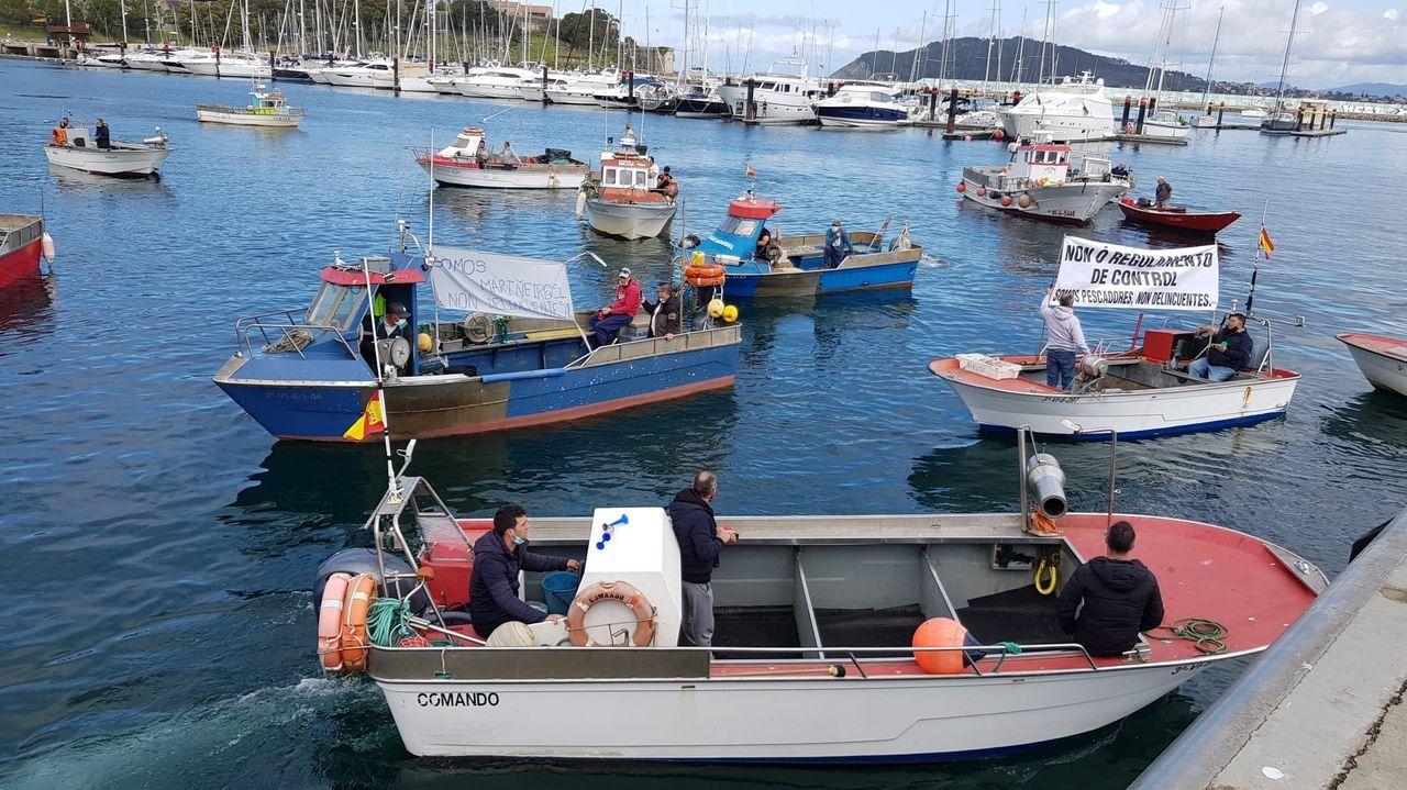 Jornada de protesta de la flota gallega en Baiona.El desdoblamiento de la carretera entre Sanxenxo y A Lanzada afronta numerosos condicionantes medioambientales