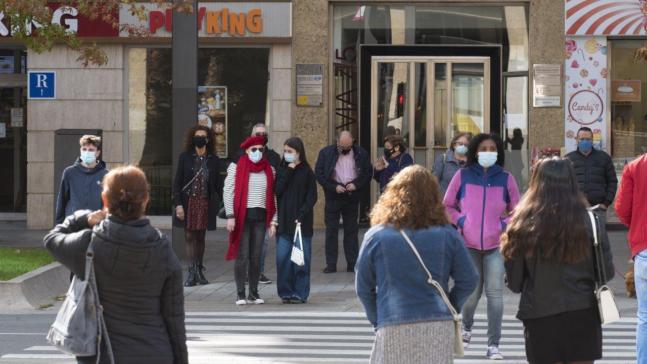 Las imágenes del partido Pontevedra contra Unionistas de Salamanca.Imagen de Logroño, confinada por el coronavirus