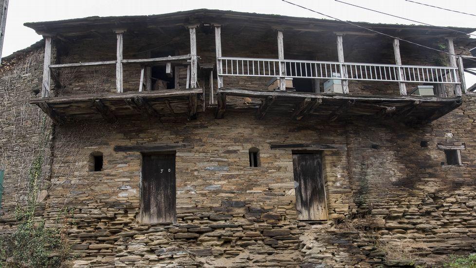 El pueblo conserva notables muestras de la arquitectura tradicional de la zona