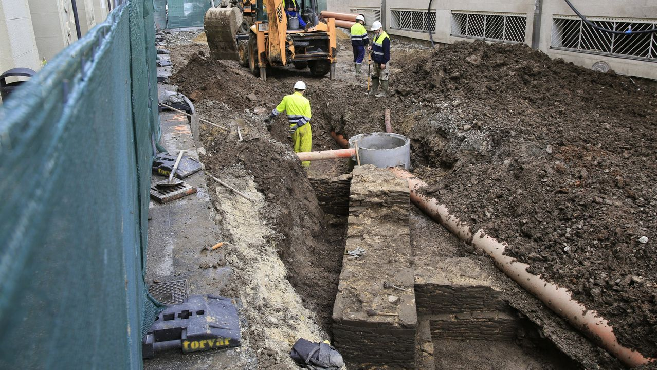 Aparecen nuevos restos arqueológicos en las obras de peatonalización de Quiroga Ballesteros.Jean Toussaint, músico de jazz