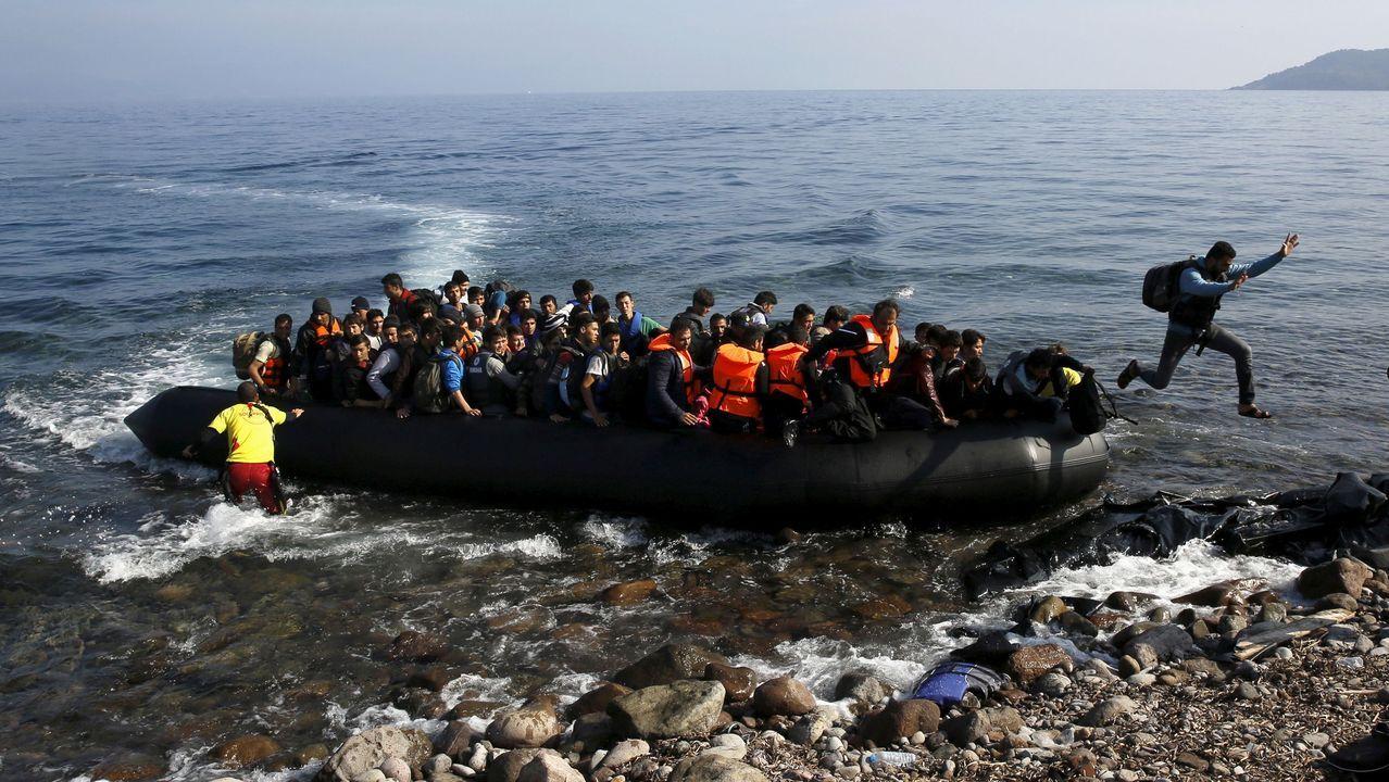 Fernando Morán, su trayectoria en imágenes.Desembarco de inmigrantes en la isla de Lesbos el pasado octubre