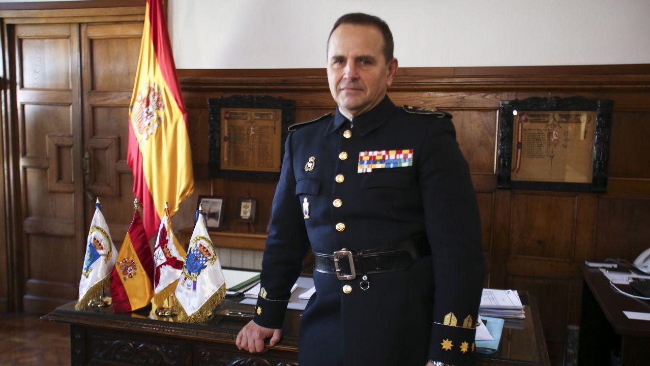 CARLOS PÉREZ-URRUTI PÉREZ, EN SU DESPACHO