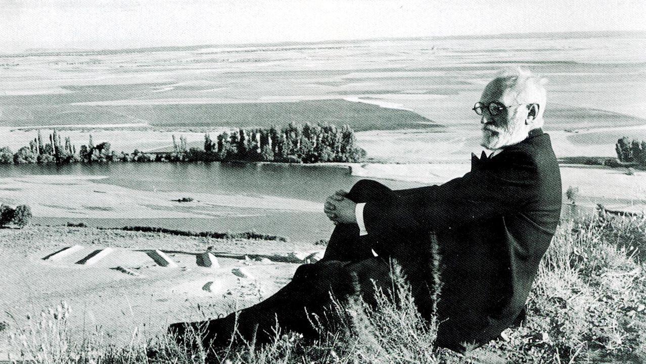 Unamuno, retratado por José Suárez en el paraje de la Flecha, en Salamanca, en 1934